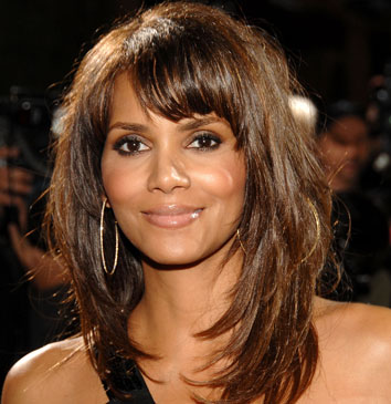 http://www.eurthisnthat.com/wp-content/uploads/2009/02/halle_berry.jpg