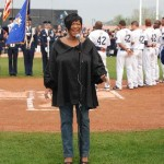 Patti Labelle sings national anthem at new Newark Bears first game