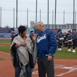 Patti Labelle and Colin Powell speak before game