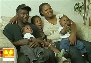 Mia Washington and fiance' James Harrison with their sons