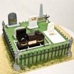 divorce-cakes-ring-in-graveyard
