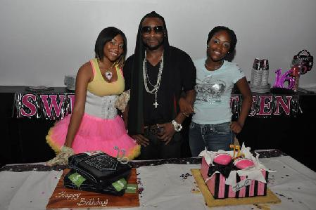 Shawty Lo and his daughters