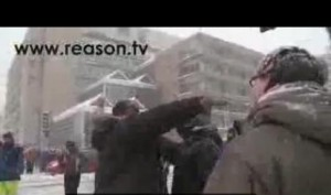 dc cop with gun in snow