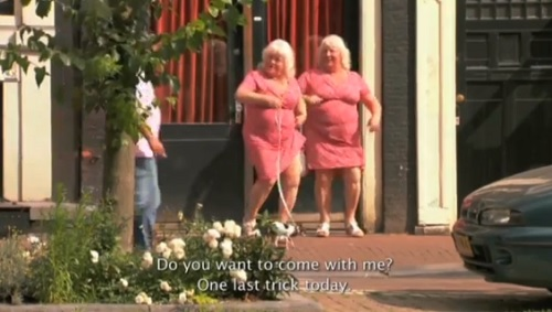 Louise and Martine Fokken at 70 give up the streets.