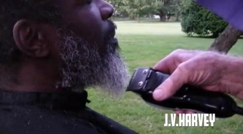 barber for the homeless joe-cuttin beard
