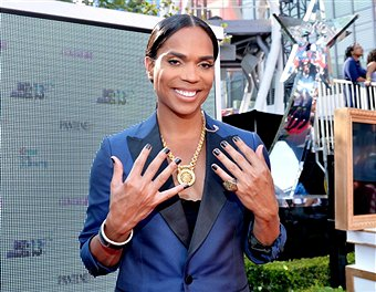 B. Scott hosted BET Pre-Awards Red Carpet without heels and make-up as a decision made by the BET staff, Sunday, June 30, 2013.