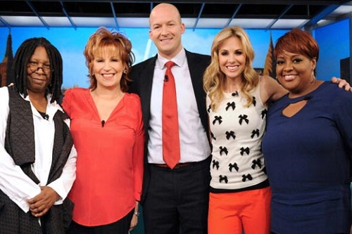 Say goodbye to Elisabeth Hasselback as she leaves the view today. BYE!