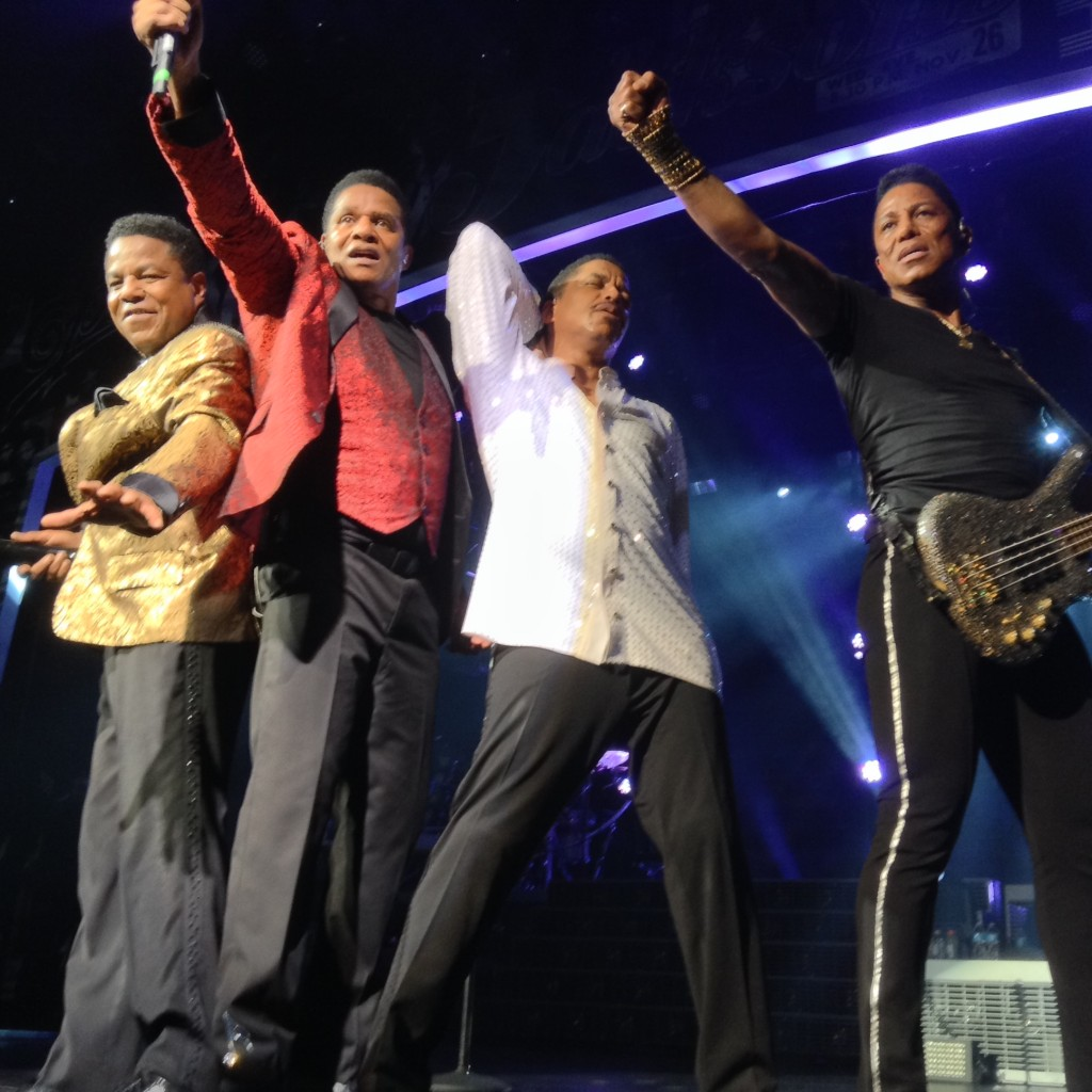 Pictures of The Jacksons at Mar 8 Las Vegas show 006