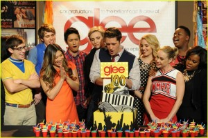 glee-100th-episode-celebration-pics-04