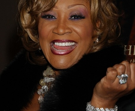 Did Patti LaBelle really take off her wig and earrings and land a Mayweather-style punch on Aretha?