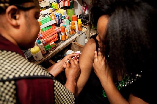 Kenyan injecting lightening cream