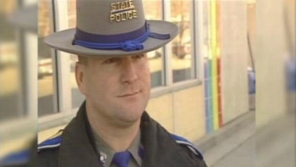 State Trooper, Aaron Huntsman plead guilty to stealing crash victims possessions