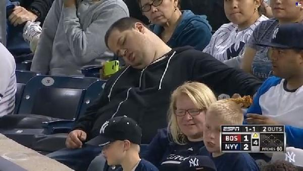 sleeping_yankees_fan_a_l