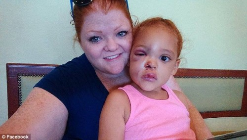 Lacey Harris with her daughter, AvaLynn
