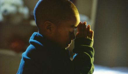 child-prays