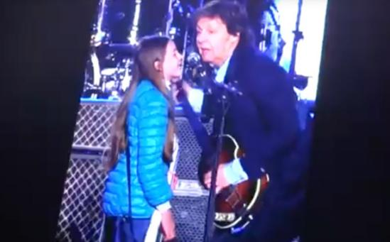 "Beatle Paul McCartney and ""Leila"" duet on ""Get Back"" in Argentina concert"