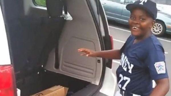dad-surprises-son-baseball-bat-viral-video