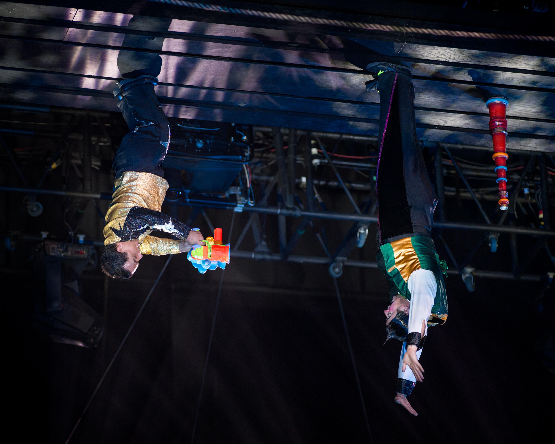photo_clowns-upside-down
