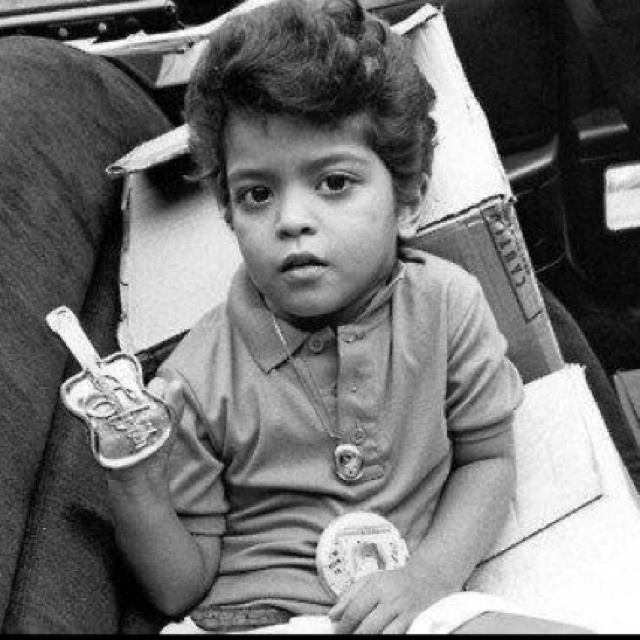 Hi, when I grown up I'm gonna change my name to BRUNO MARS!
