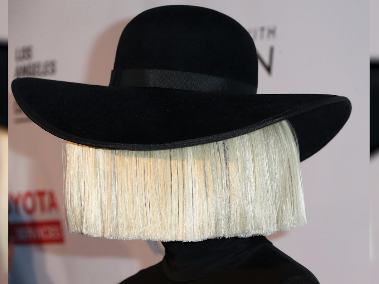 Peek a boo ever wonder what chandelier singer sia looks like ever wonder what chandelier singer sia looks like without that wig photo arubaitofo Image collections