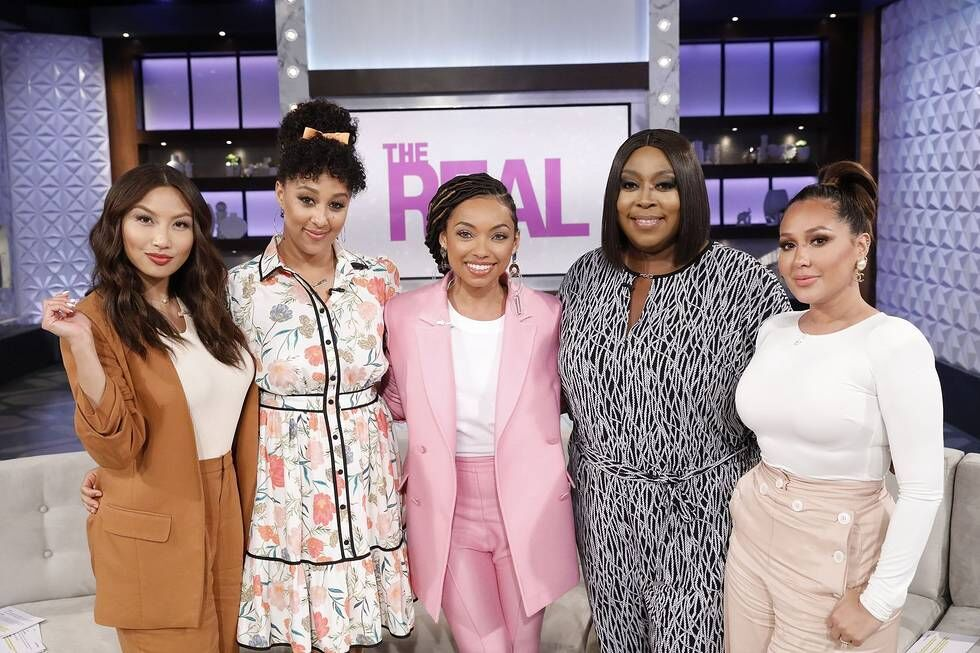 logan browning & the real crew (06-04-18)